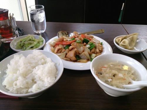 鶏肉かシューナッツ炒め定食