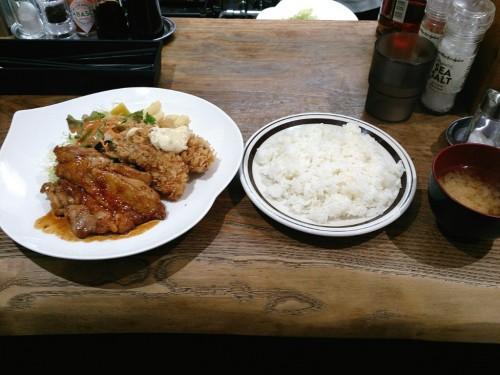 チキン照り焼きカキフライ(2ヶ)添え
