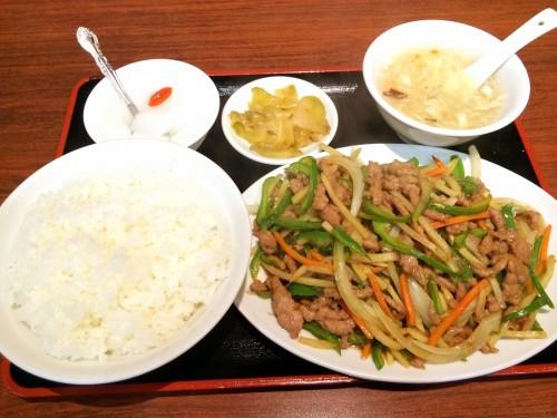 牛肉とピーマン炒め定食