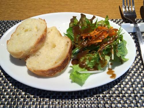 シンプルサラダ+自家製パン
