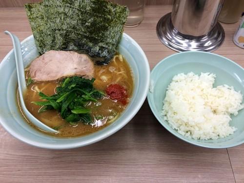 ラーメン並(濃いめ)+赤玉