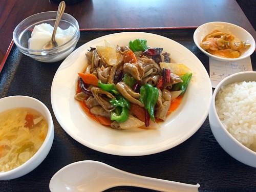 ホルモンピリ辛炒め定食