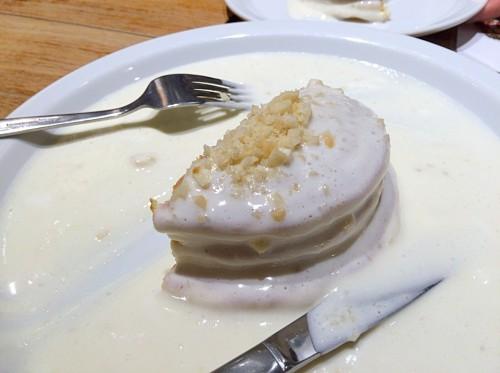 マカダミアナッツソースのパンケーキ(食べかけ)
