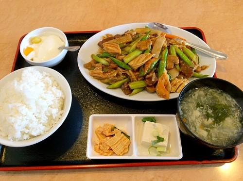 牛肉とアスパラ炒め定食